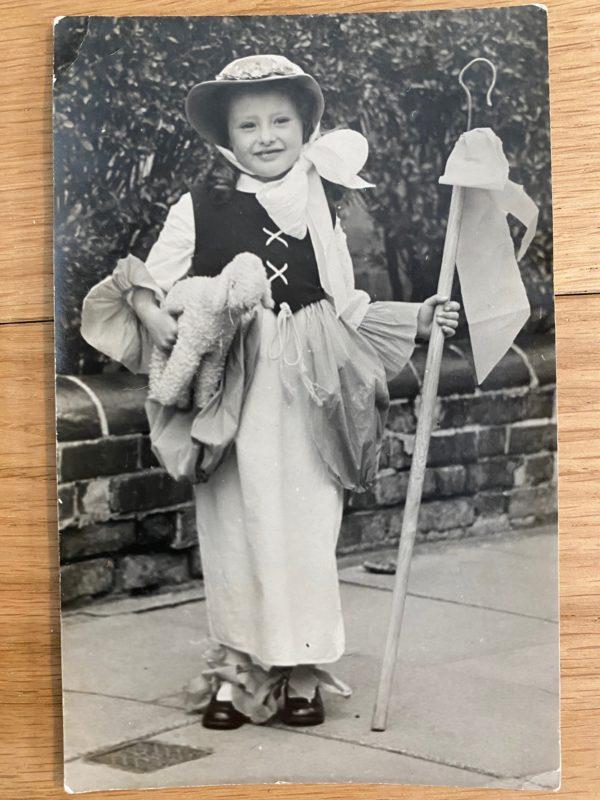 1945 VE Day costume