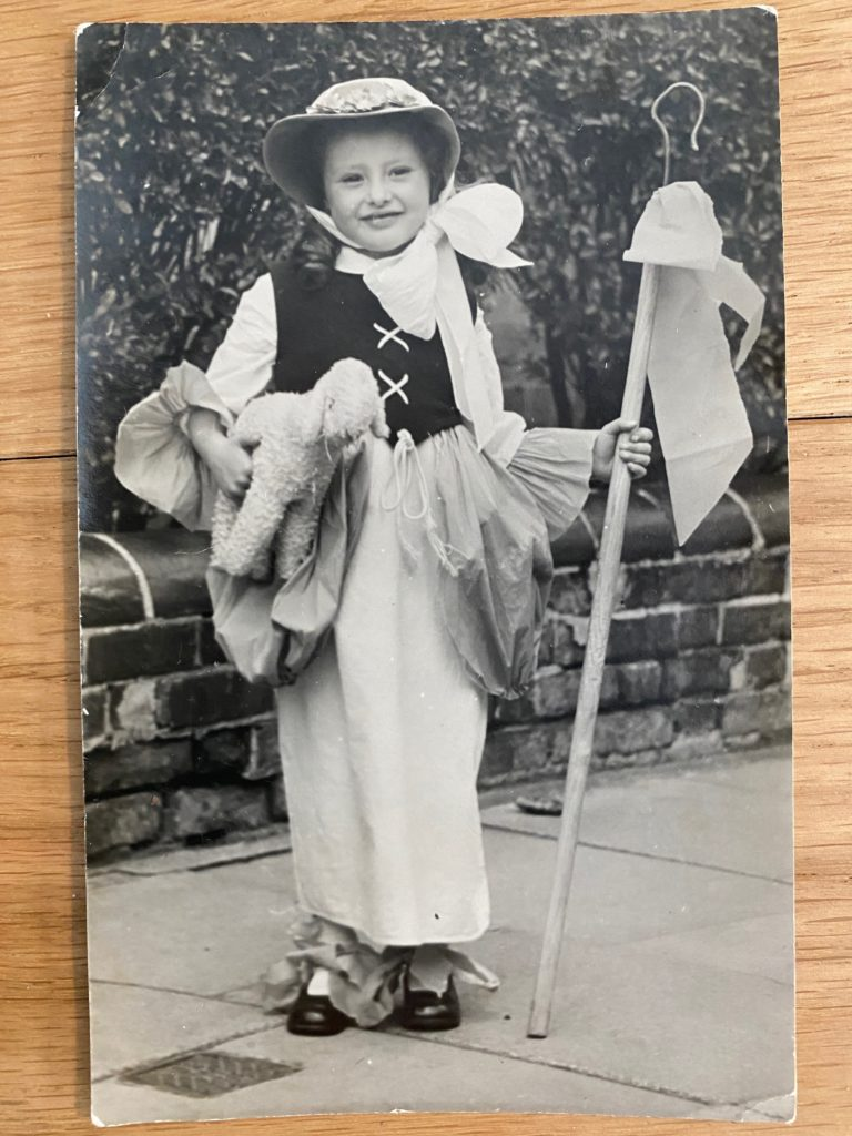 1945 VE Day costume